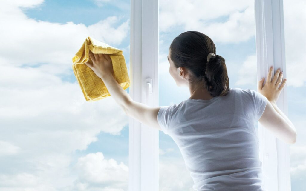 чем помыть пластиковые окна